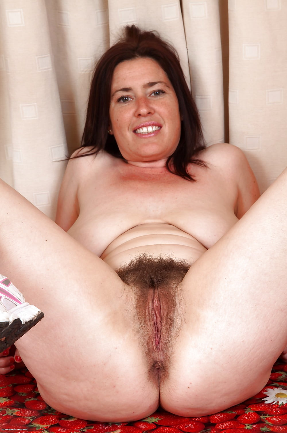 Daddy uk mature shaved or hairy pussy