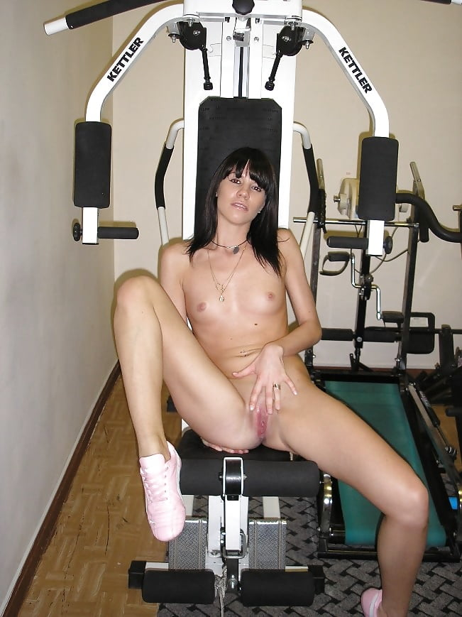 русские голые в спортзале - 12