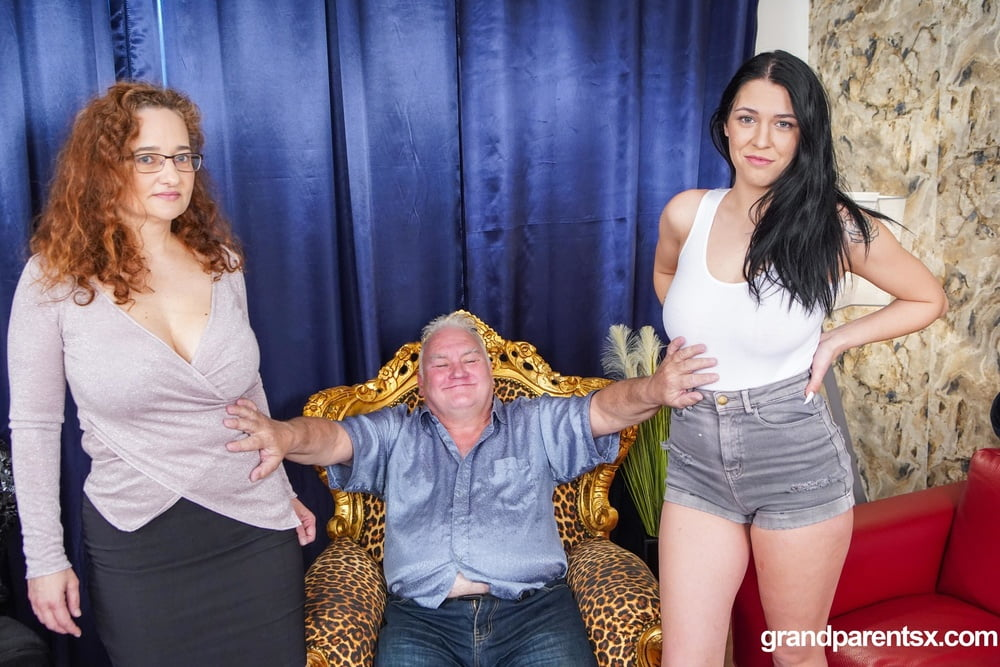 Thirsty for Old Wisdom at GradParentsX - 12 Pics