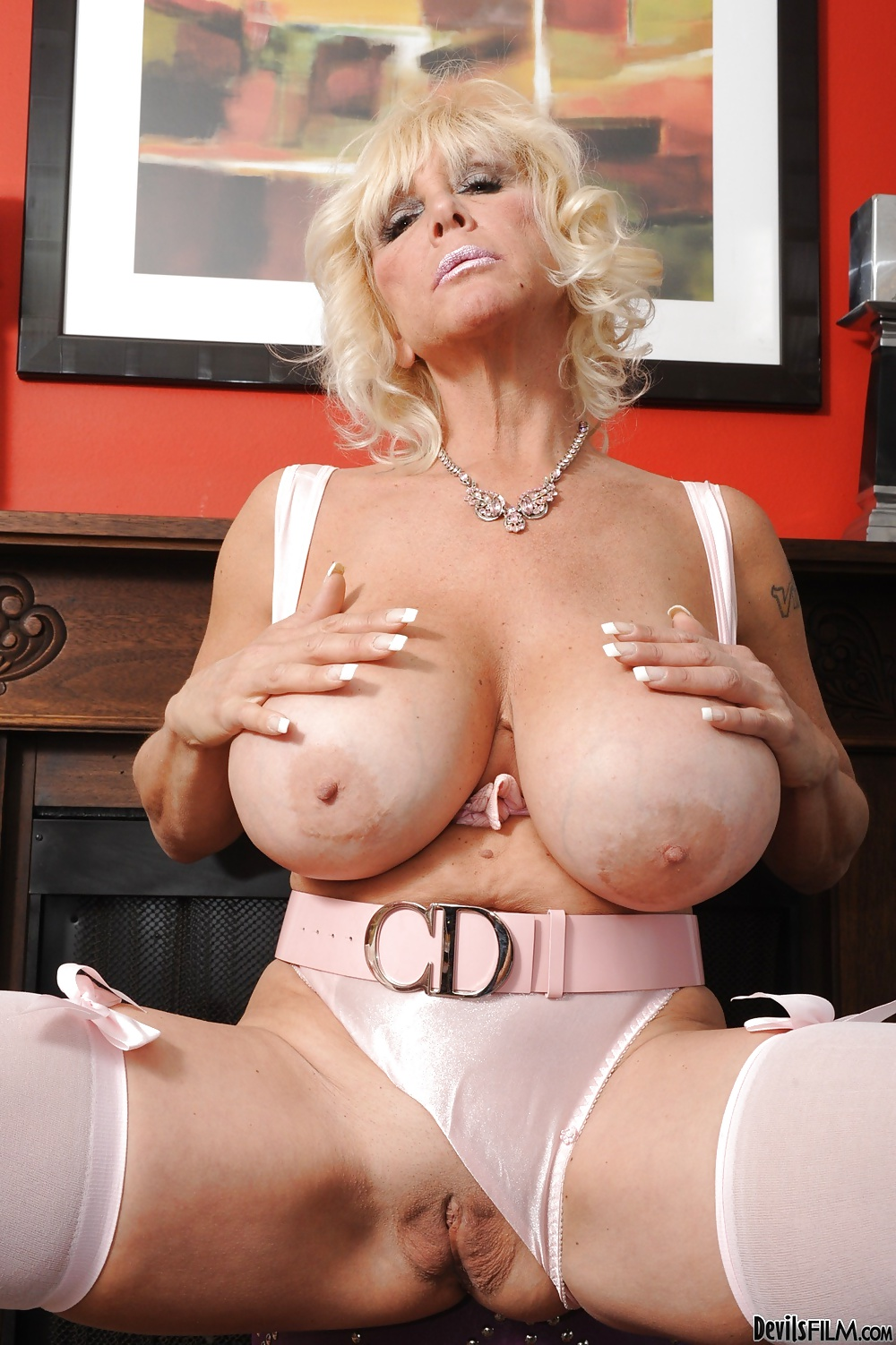 Granny Shelly Big Tits - 18 Fotos - Xhamstercom-3832