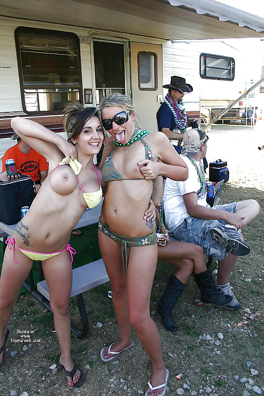 Girls from redneck island naked — photo 1