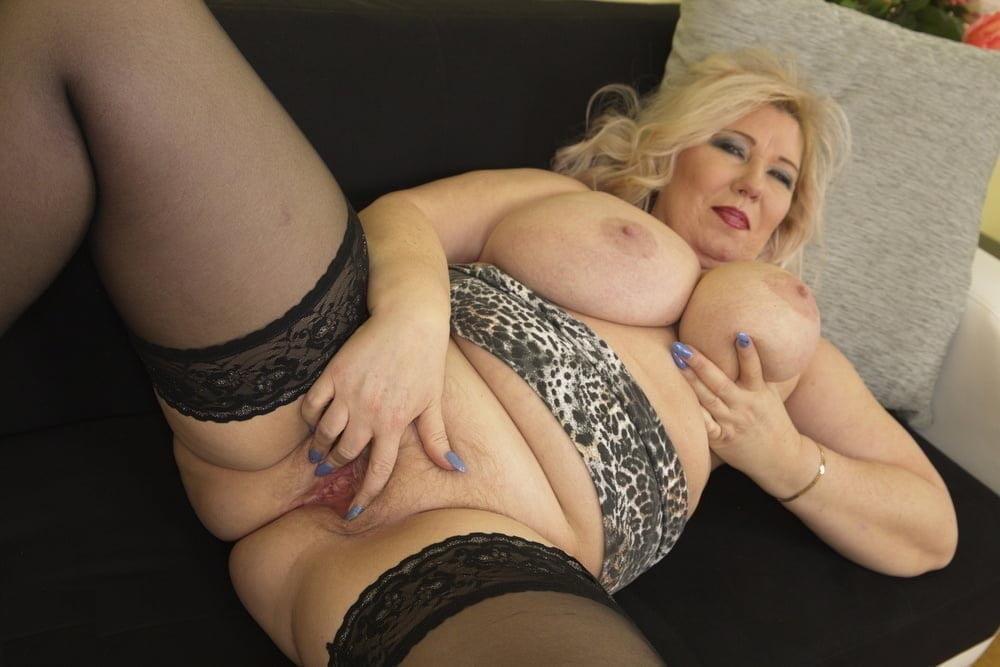 Big tits mature nude pics, women sex galleries