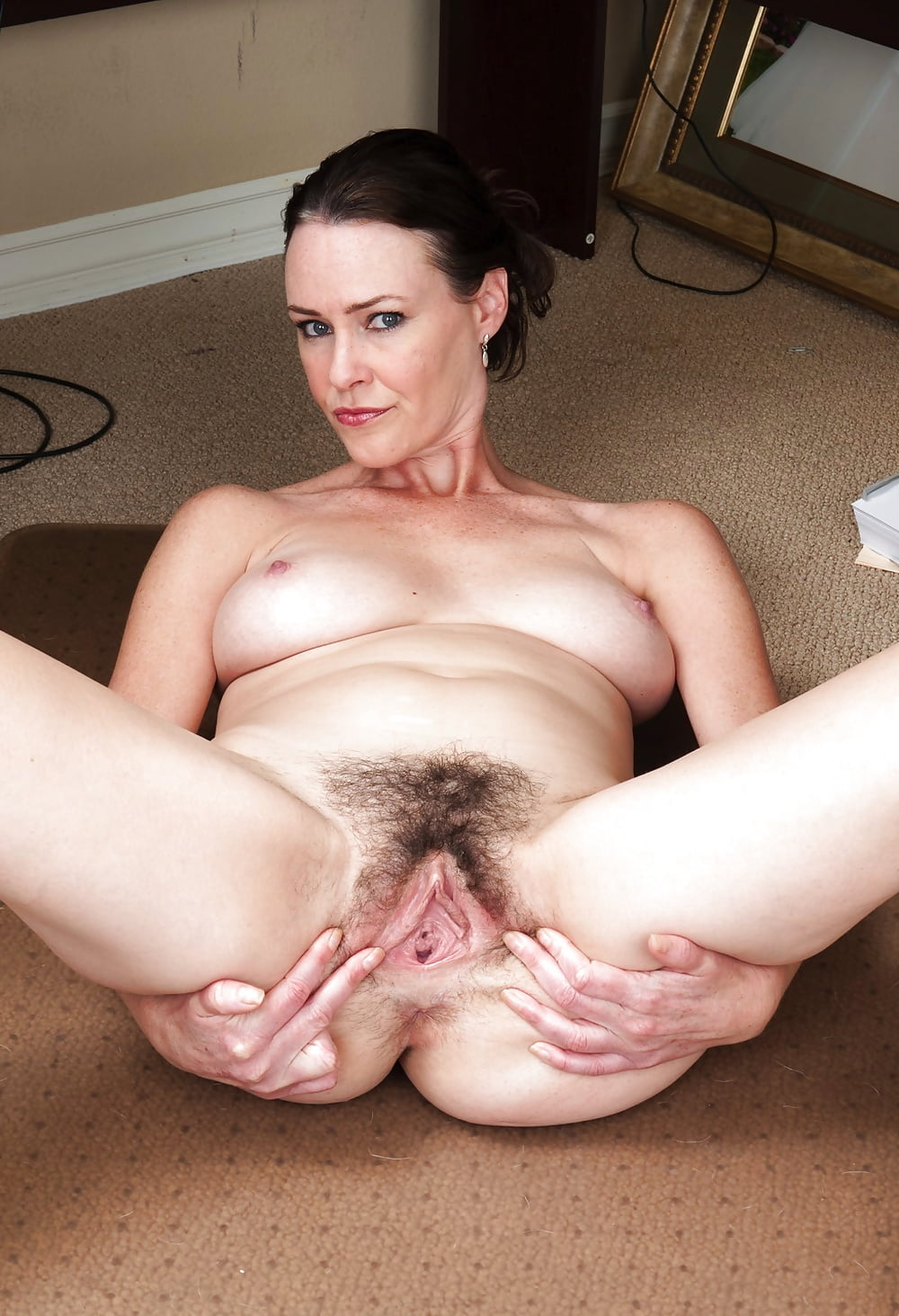 milf-hairy-pussy-being-shaved
