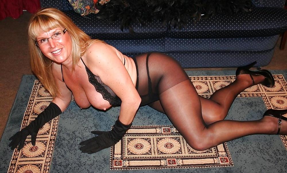 голая мамочка в чулках домашнее фото - 4