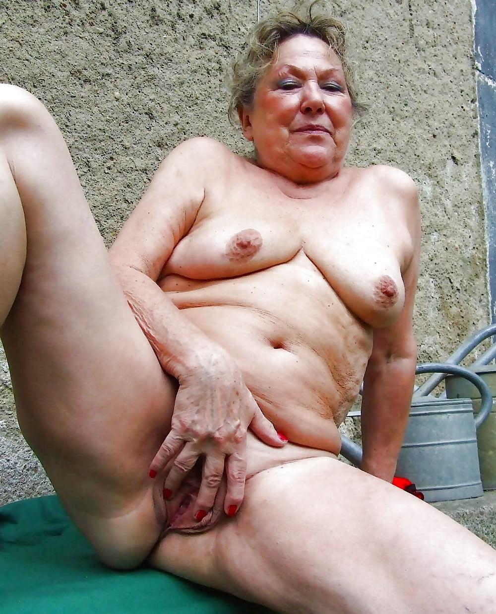 Порно русских зрелых бомжих, соседка пришла делать куни фото