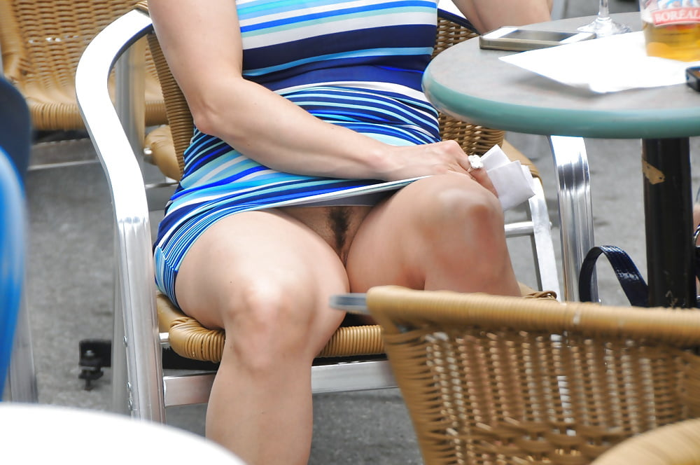 waterpark-female-upskirt-photos