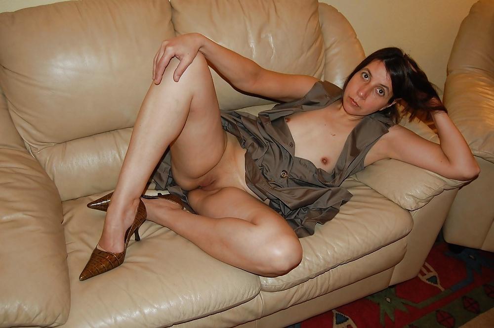 milf-nude-sofa-videos-of-facial-cumshots