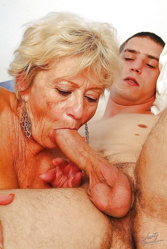 Старые женщины любовь порно заказать проститутку якутск