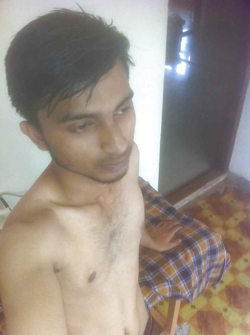 REYNA: Indian Desi Boy Men Masturbation