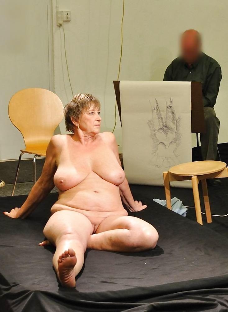 столпившихся пожилая натурщица фото секс сказать, она кричит