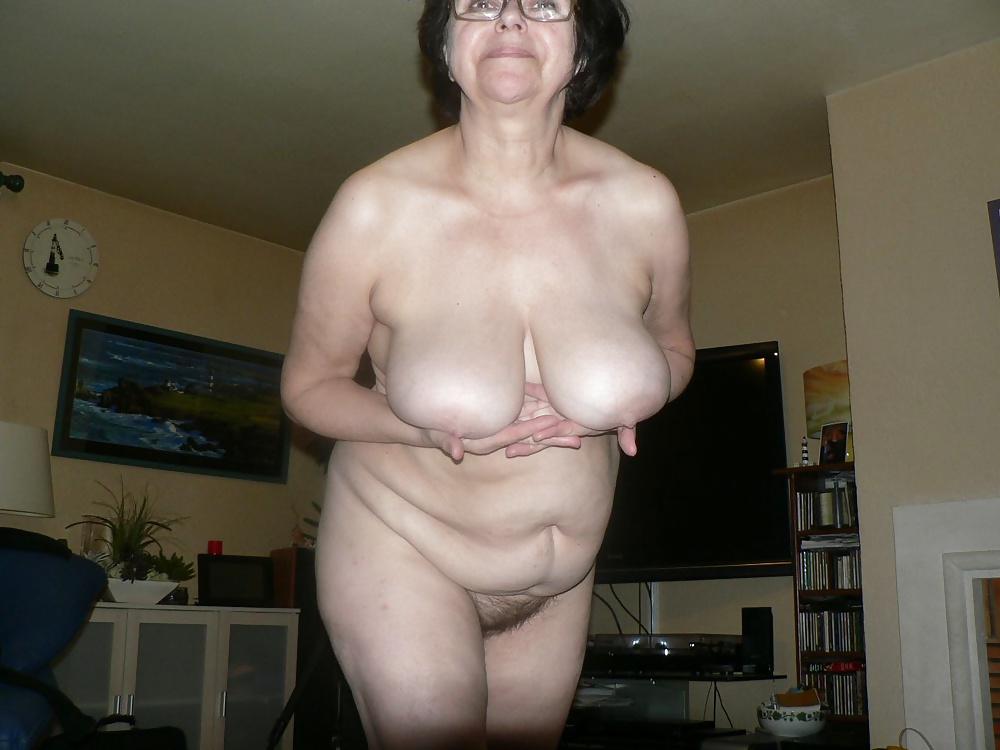 зарегистрироваться фото старых женщин с большими сиськами влагалище