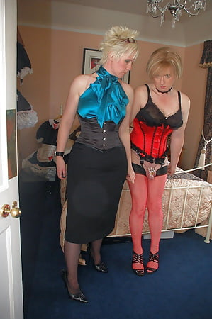 Adult archive Mature shows off on webcam