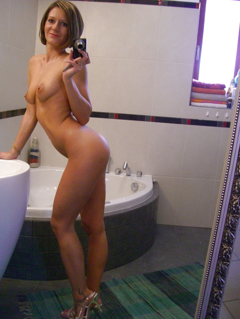 from-seinfeld-milf-nude-selfpics-home