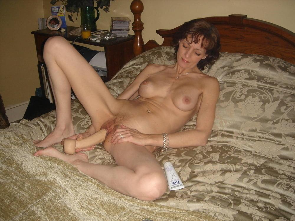 XXX Image Womans huge cunt holes