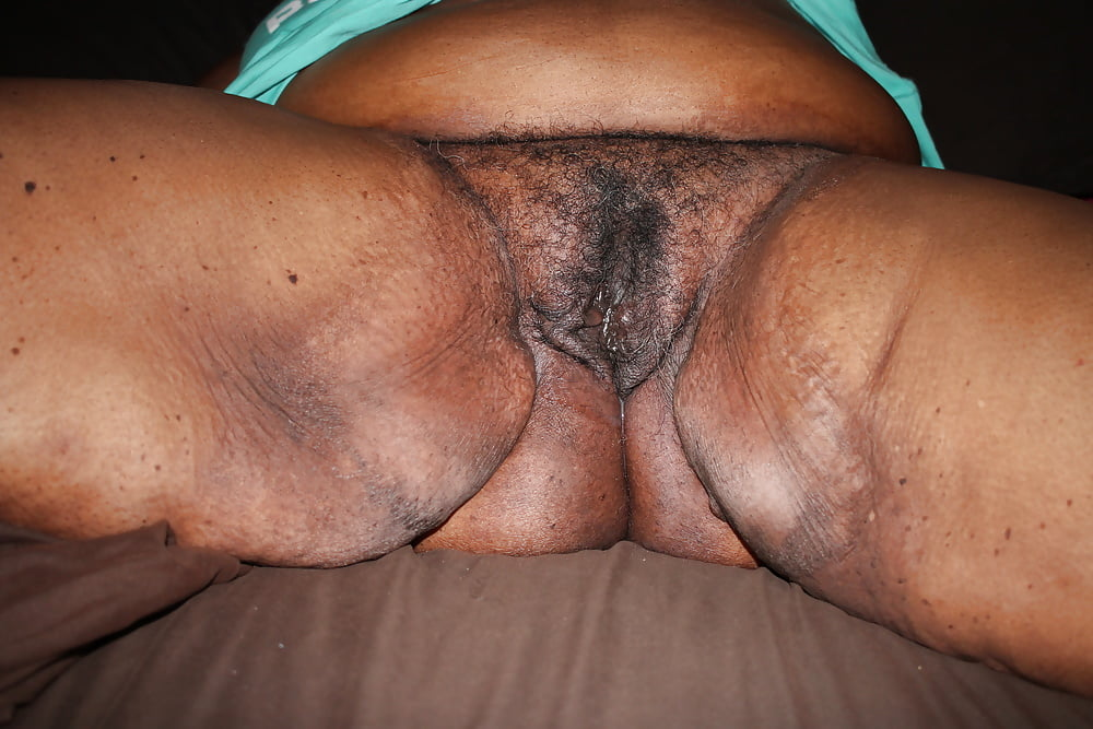 Black Bbw Wife Spreading Her Wet Pussy And Waiting For Master
