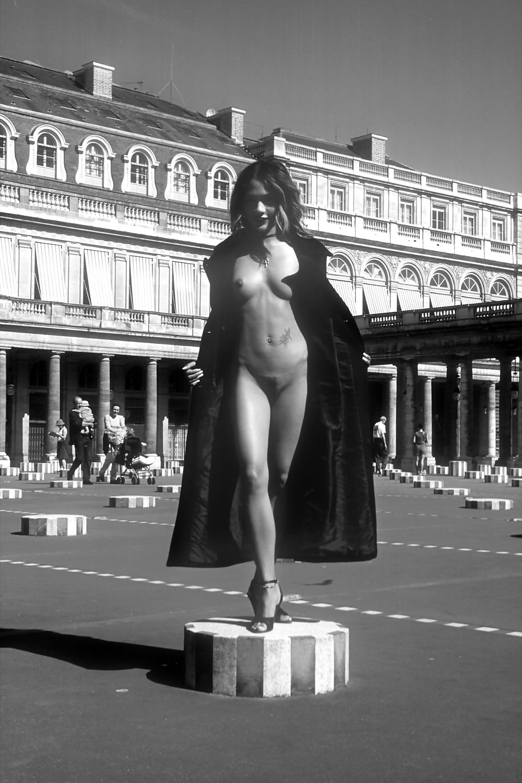 parizh-foto-erotika-smotret-perevodom-onlayn
