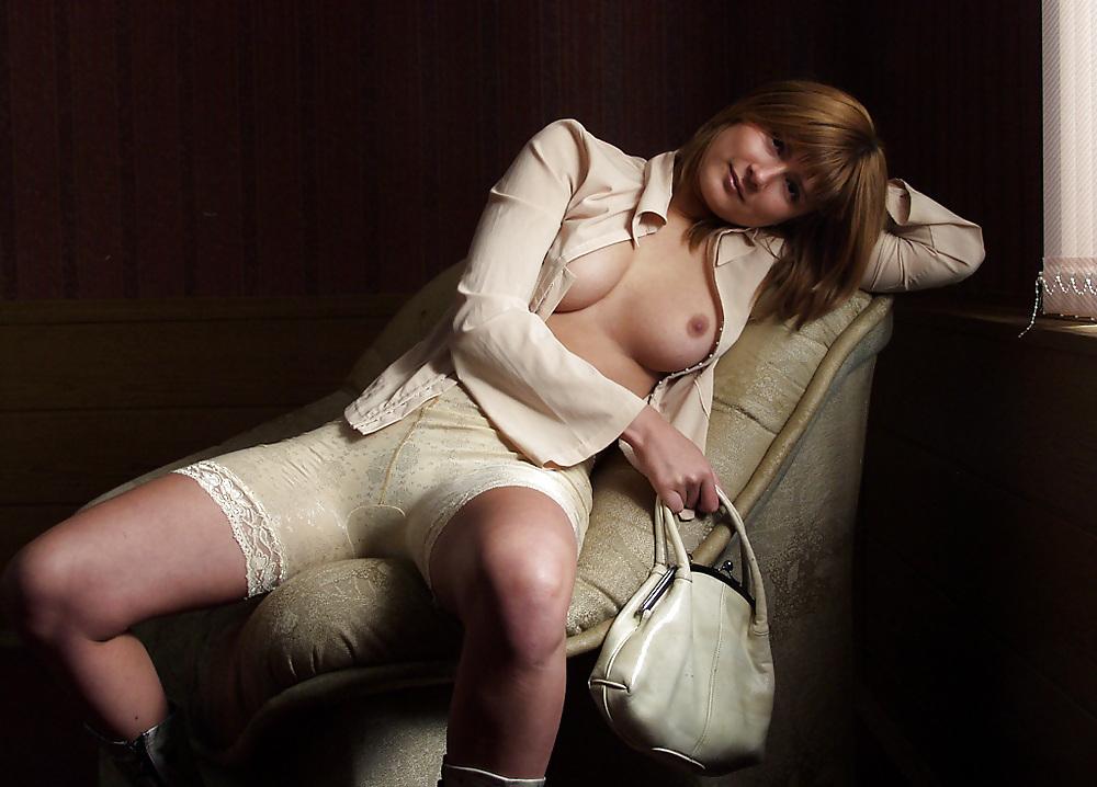 Девушки в сексуальных эротических панталончиках фото