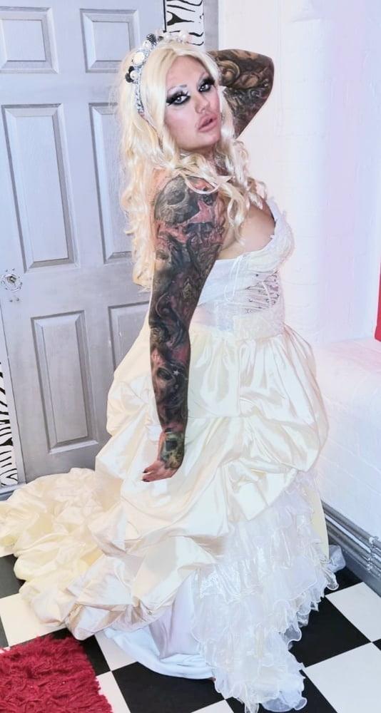 SLUTTY BRIDE