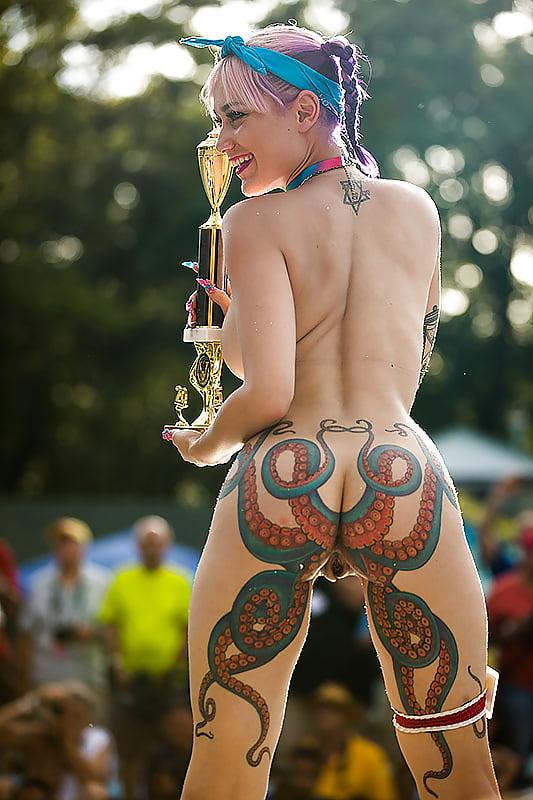 Alice Nude Back Butt