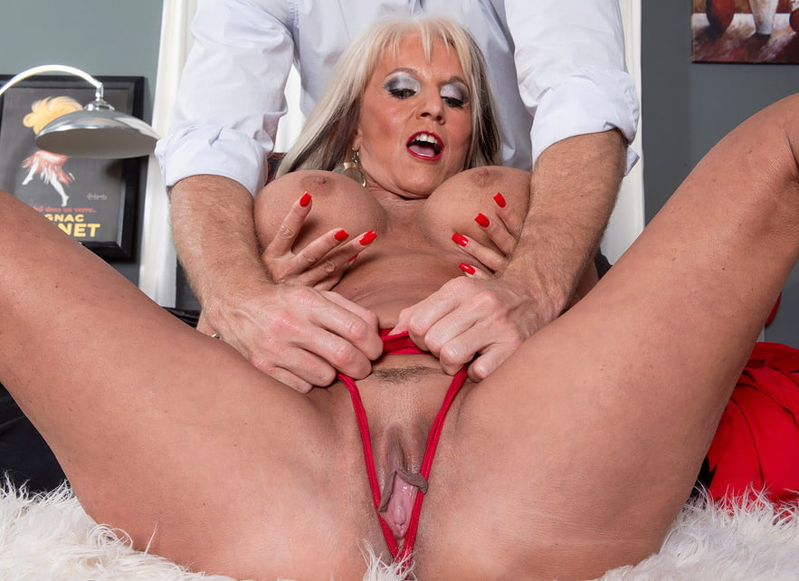 Селли картленд порно видео, фото тампакса в молодой пизде