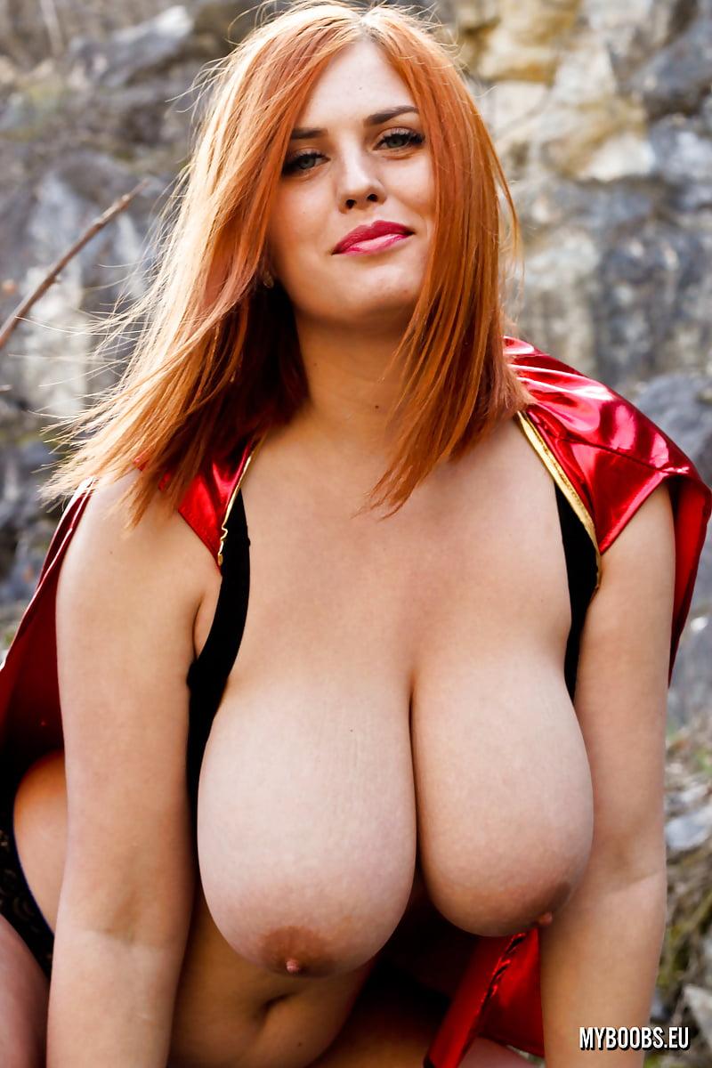 Gal gadot as wonder woman humongous tits big boobs celebrities