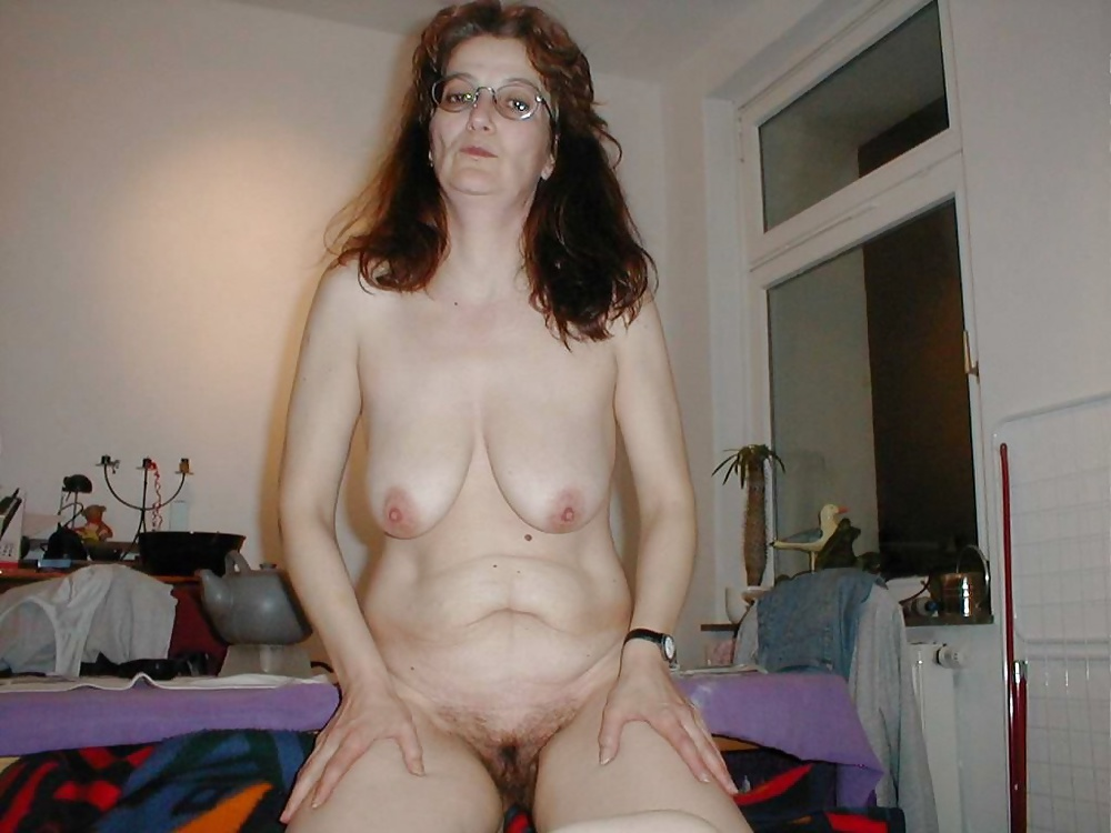 Nude amateur ugly mom — photo 1