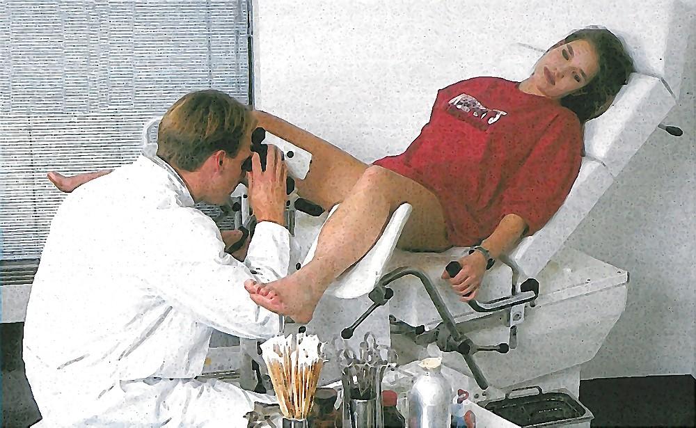 Versaute Sex Erlebnisse beim German Frauenarzt