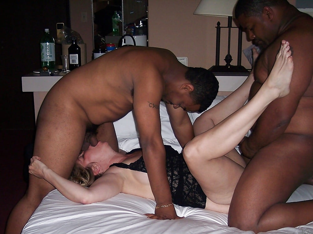 girls-wife-fucking-my-black-friend-sexy-milf-nude