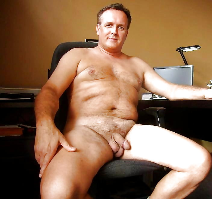 Hot middle aged man naked wet pusey
