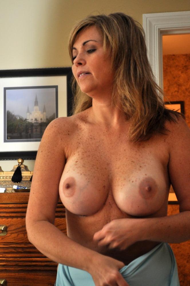 Hot nude big boobed mom — img 10