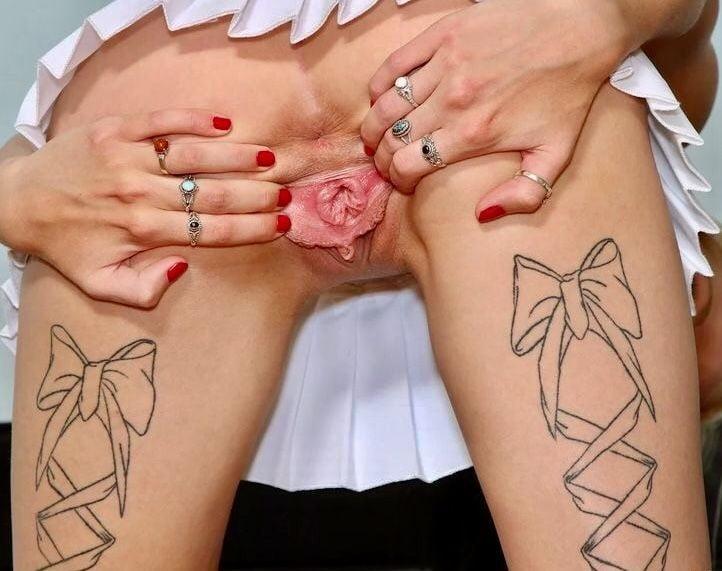 Порно с татуированным лобком — photo 6