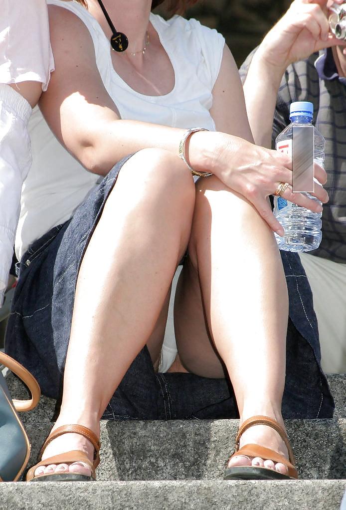 Black Mature Very Hairy Wemen Upskirt Sheer White Panties Porn Images