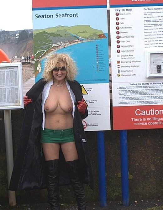 Sexy Female Lifeguards Nude