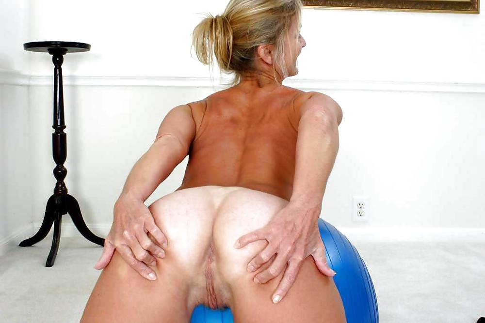 Older nude women with nice asses