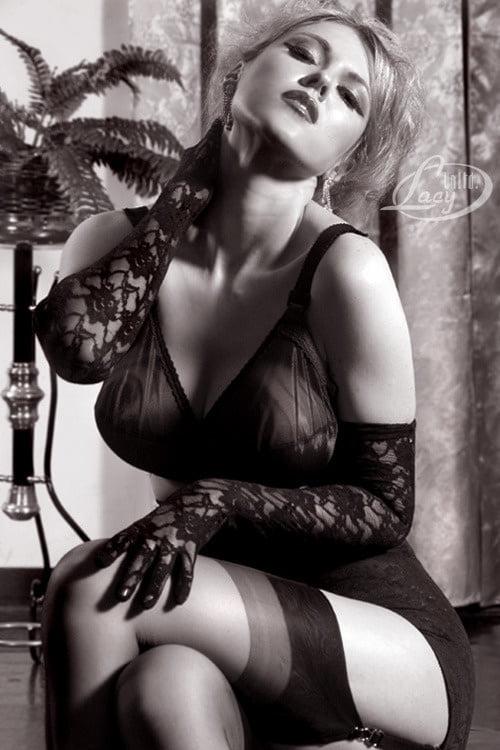 Artistic Black & Whites 13 - 48 Pics