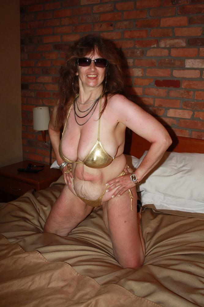 Mature women in skimpy bikinis-2305