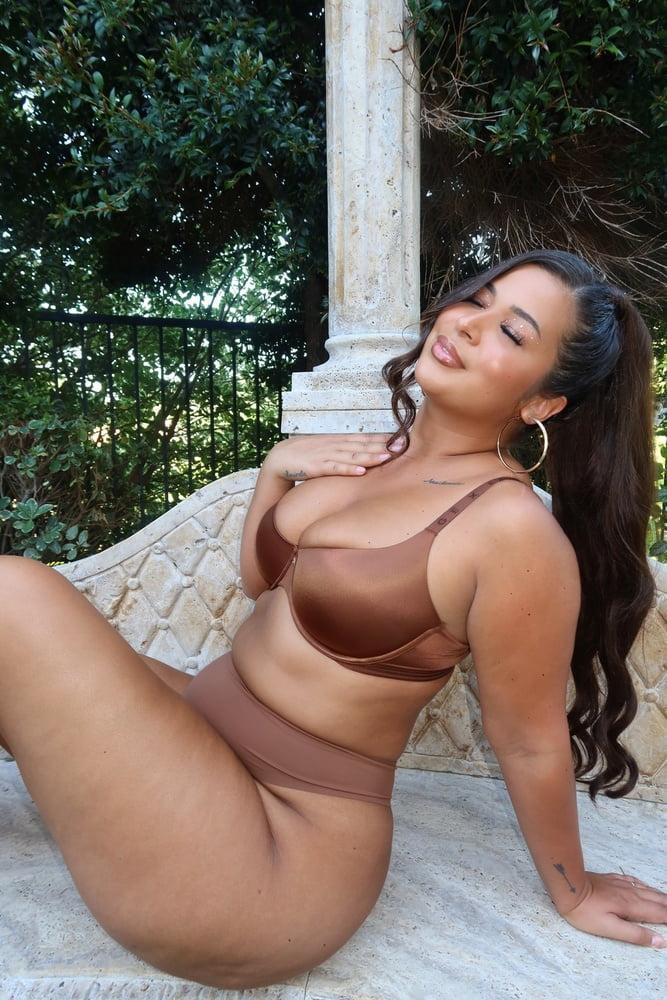 BBW SEXY BRA (BRI MARTINEZ)- 75 Pics