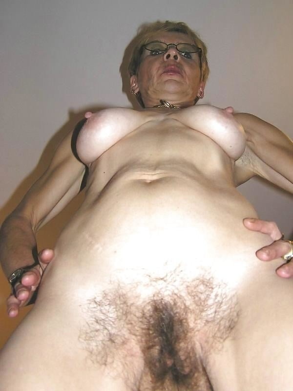 Granny ugly pussy