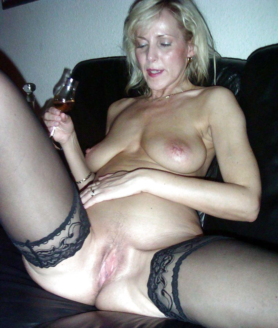порно с пьяной зрелой теткой мужчина