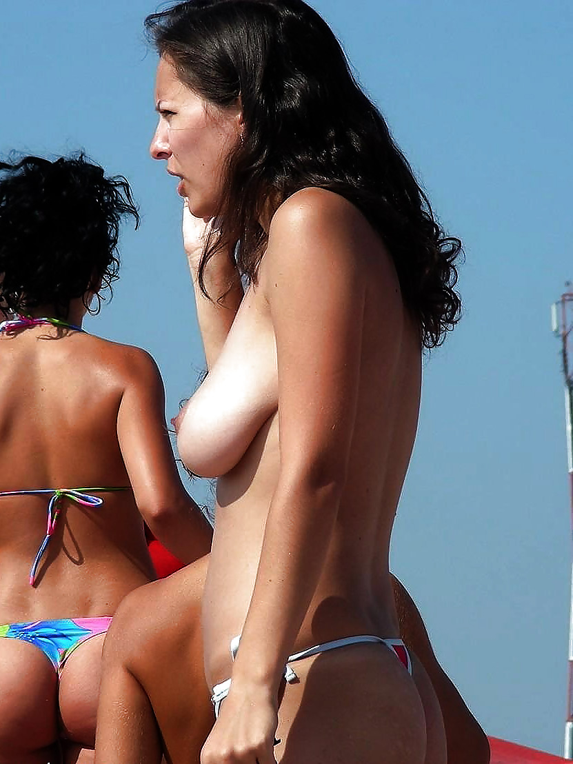 Big saggy tits topless beach