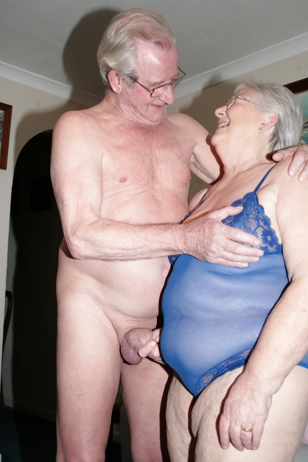 older-couples-teaching-younger-couples-videos-orangutan-have-sex