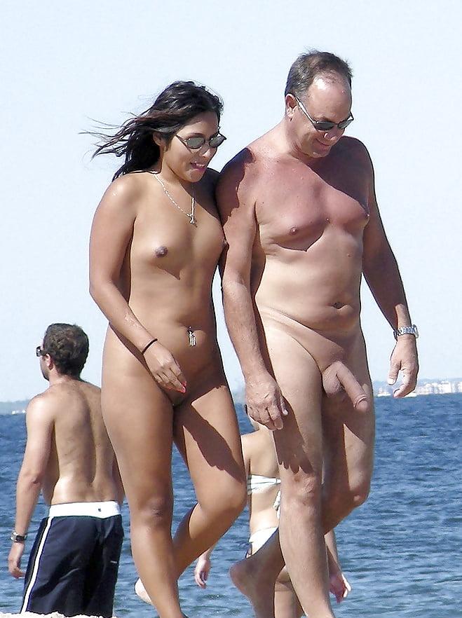 Nude With Friend, Nackt Unter Freunden - 15 Bilder -4705