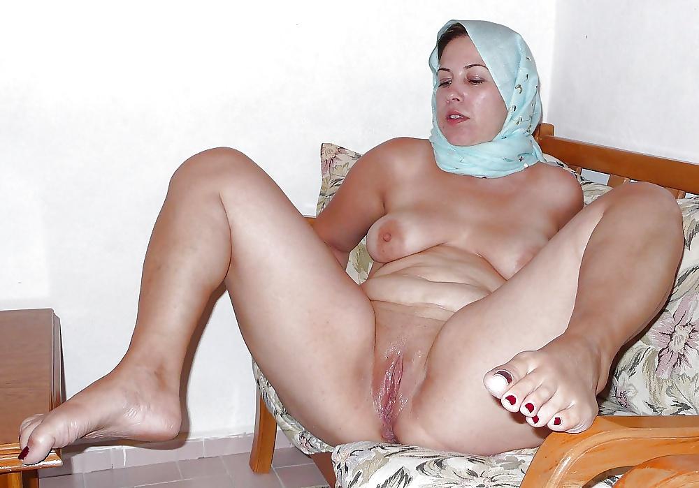 Turkish milf sex in office porn pics