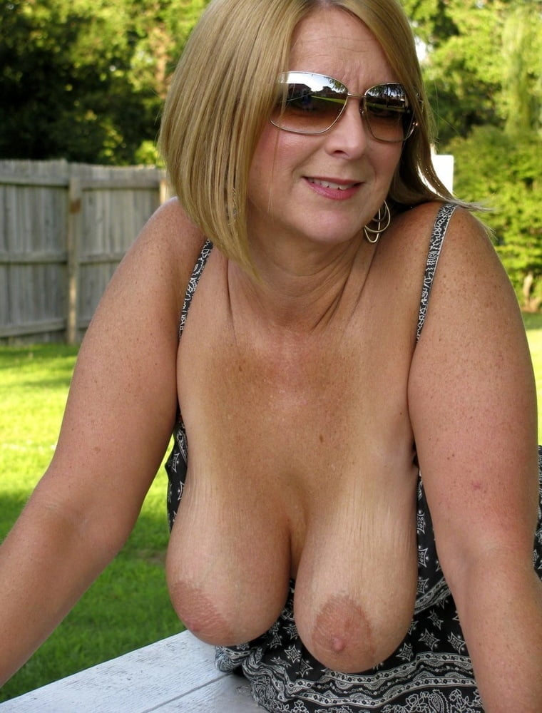 Homemade more of yesterdays artistic milf and her saggy breasts and saggy tits