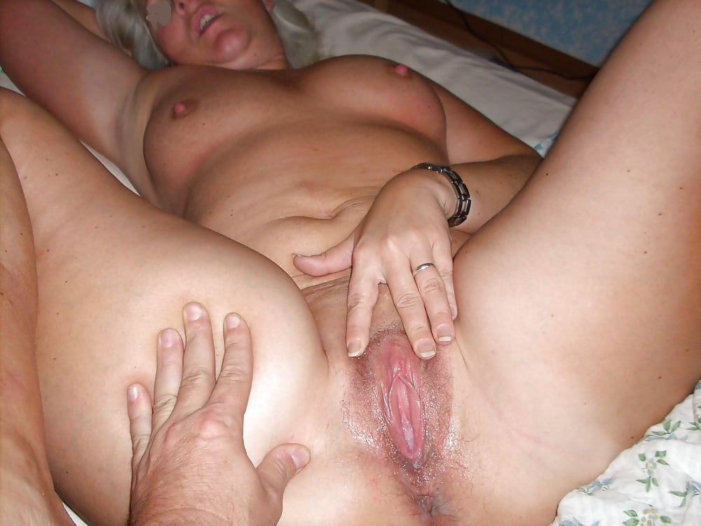 mother-shows-son-wet-pussy-erotic-bi-sexual-stories