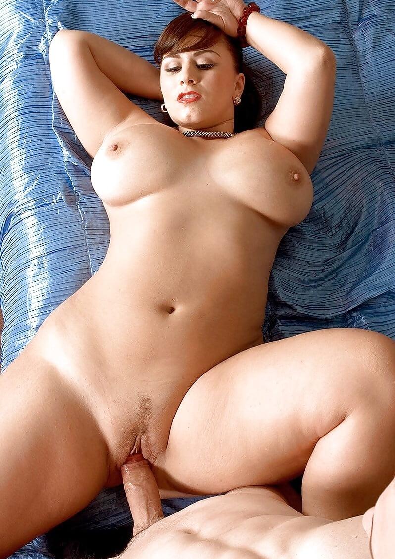 Curve Porn Pic
