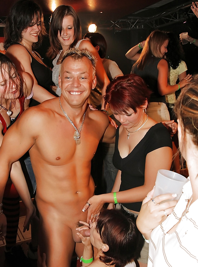 blonde-naked-nude-wild-parties