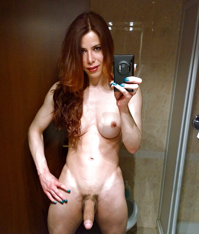 Shemale Nude Selfies