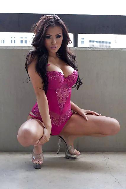 Minni the mucha get a new bikini and strip naked again - 3 part 8