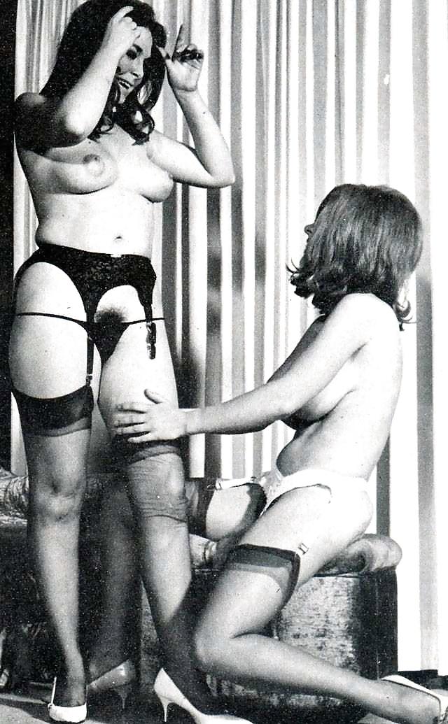 Girl on girl sucking big tits-3931